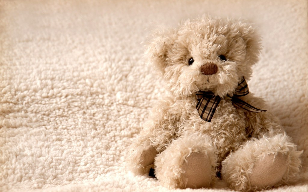 Love Wallpapers Lonely Teddy Bear Wallpaper 32017